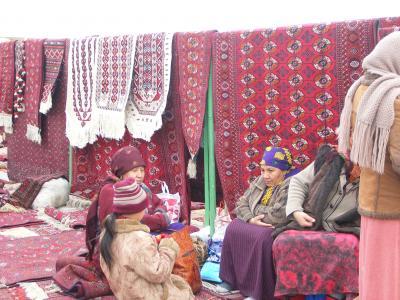 トルクメニスタンの絨毯バザール