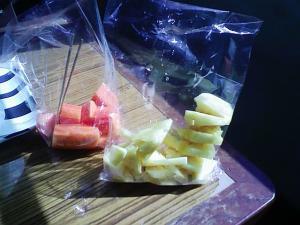 タイの路上フルーツ販売