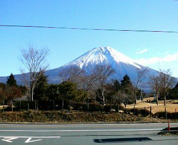 セブンイレブン朝霧高原からの富士山