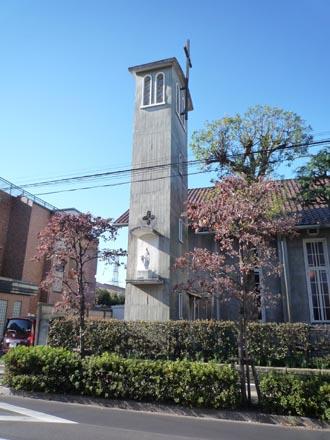 カトリック成城教会鐘塔全景