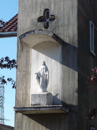 カトリック成城教会マリア像