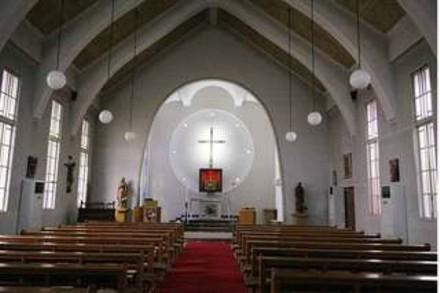 カトリック成城教会内部