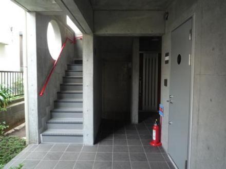 1階階段外廊下
