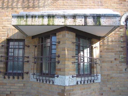 山本有三記念館トイレ窓の詳細