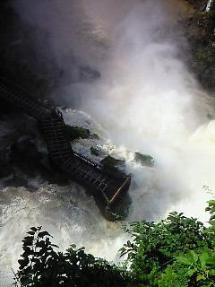 201005221045000イグアスの滝