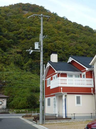 Tsama residence behind the MT