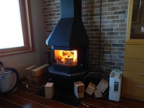 朝から暖炉