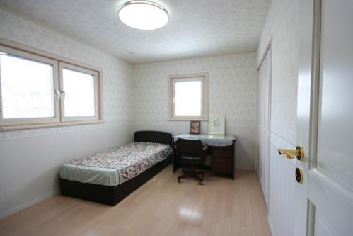 8 子供部屋 (2)