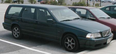 Volvo-V70.jpg