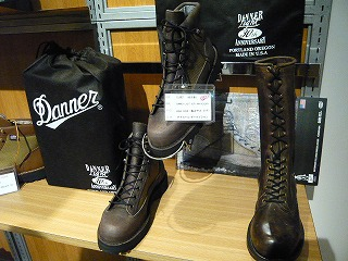 DANNER 30周年記念モデル