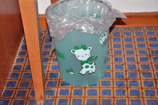 エジプト4-部屋のゴミ箱