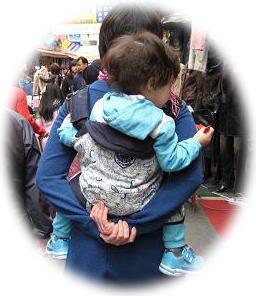 2010年4月ソウルの抱っこ紐⑥
