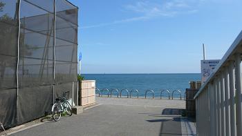 物件から自転車5分でビーチです!憧れの出勤前サーフも可能です