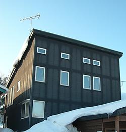 格子模様の家