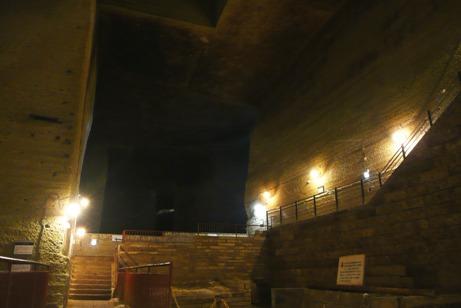 巨大な地下空間dayo