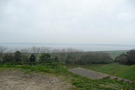 古墳頂からの北浦