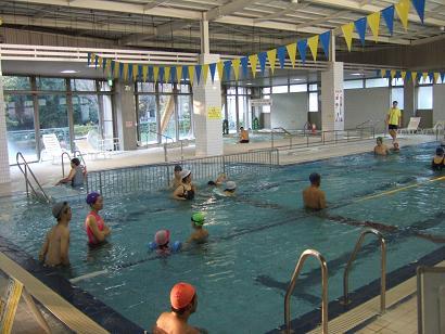 館内のプール
