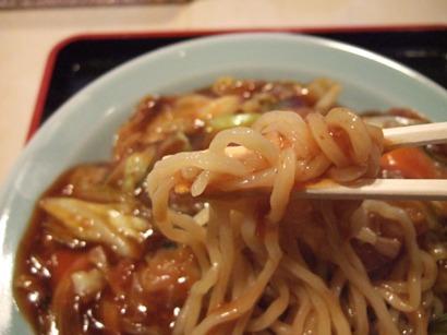 コシのある中太麺