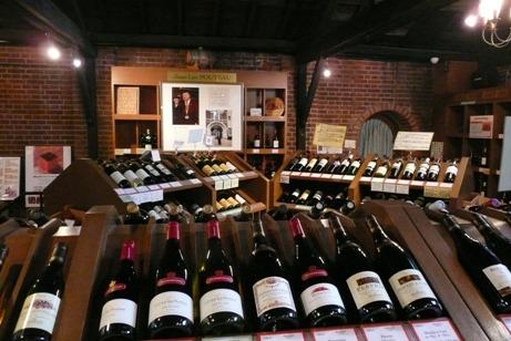 1階でのワインの販売
