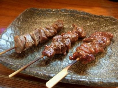 串焼きの砂肝・カシラ・カルビ