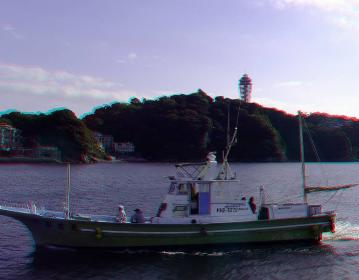 漁船と江ノ島