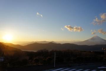 夕陽と富士山が一枚で収まった
