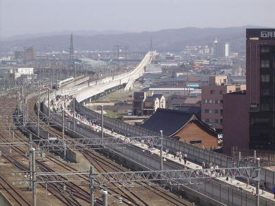 800px-The_Viaduct_of_Hokuriku_Shinkansen-1