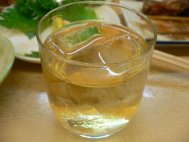 ウイスキーS水割り。200円