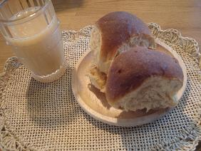 黒糖ミルクパンと一緒に