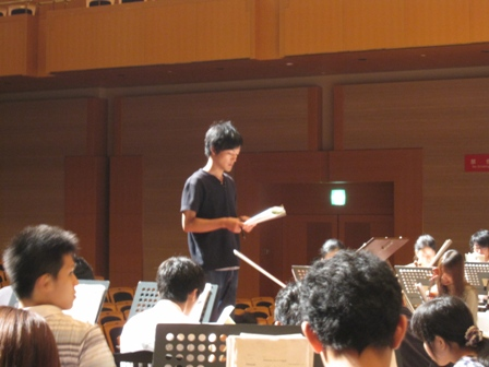 2010.8.1ミーティング中の豊田外務