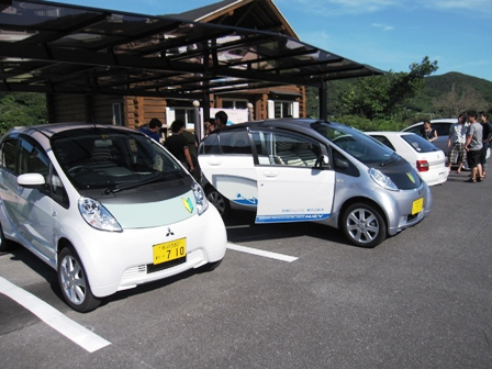 2010.8.7電気自動車を充電