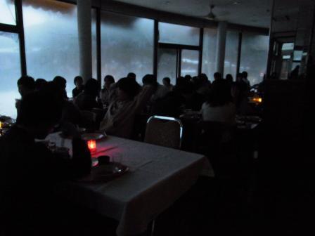 落日の食堂