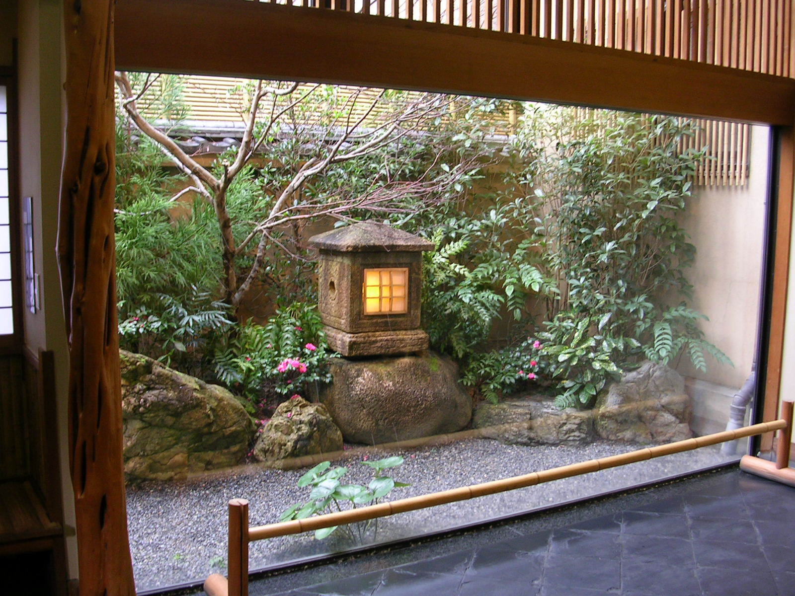 Ryokan for Balcony zen garden ideas