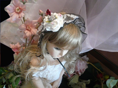 王冠付きの薔薇ケーキヘッドドレスです(//^-^//)