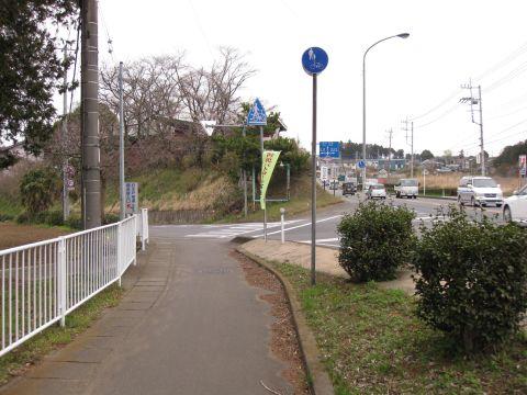 下稲吉の旧道入口