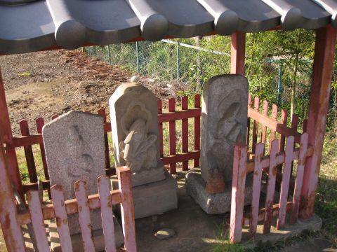 西郷地の石仏群
