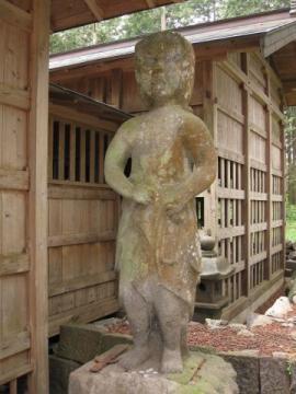 高尾神社の不動尊石像