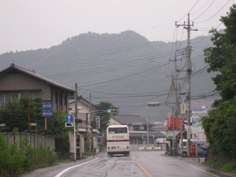 国道121号 新高徳駅前