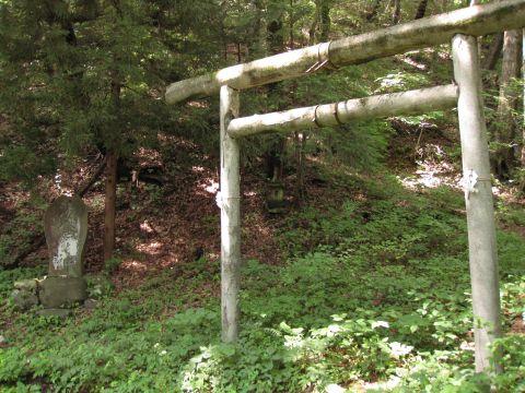 鶏頂山神社一の鳥居