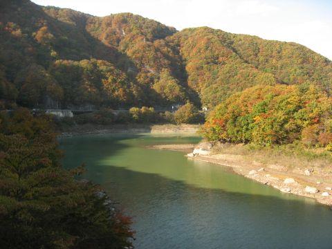 布坂山と五十里湖