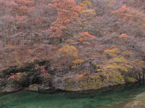 男鹿川 地蔵岩付近