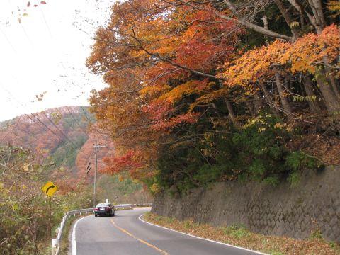 国道121号 地蔵岩付近