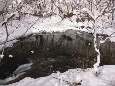 不動滝上流の男鹿川