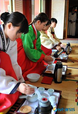 koreaNISI20100509_0002716691_web.jpg