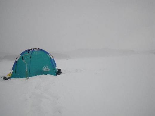 撤収時も地吹雪
