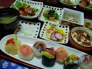 このお寿司がごはんになったら、日替わり定食に変身