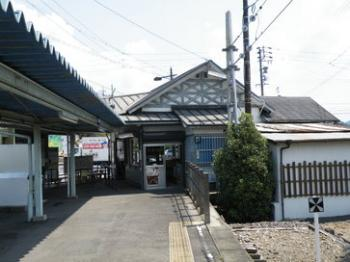 御嵩駅駅舎