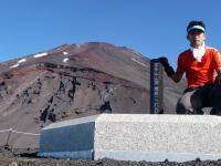 宝永山山頂と富士山頂