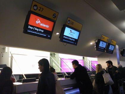 空港チェックイン
