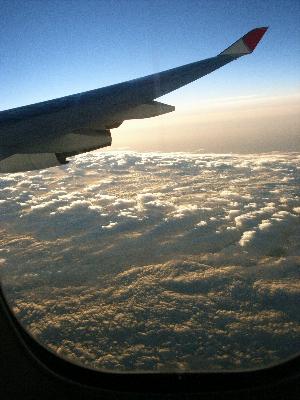 空から雲を見下ろす1